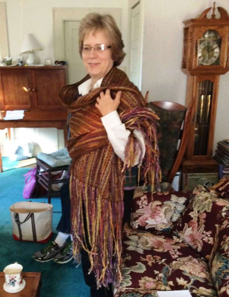 Linda, taking her inspiration from the works of Gustav Klimt, created a warp-dominant stole that literally sparkled with gold.
