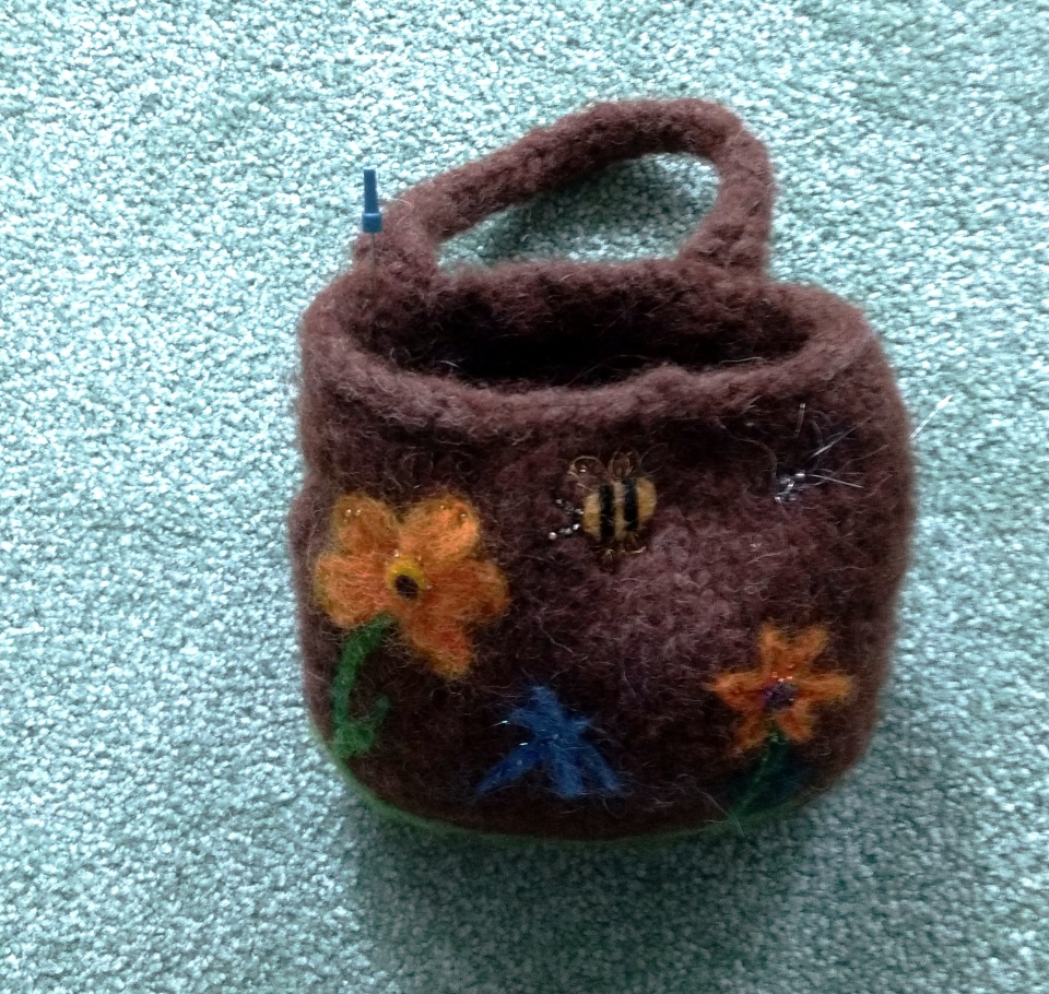 Laura's spinning wheel tool pouch