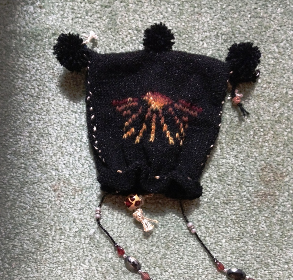 Linda's knitted pouch