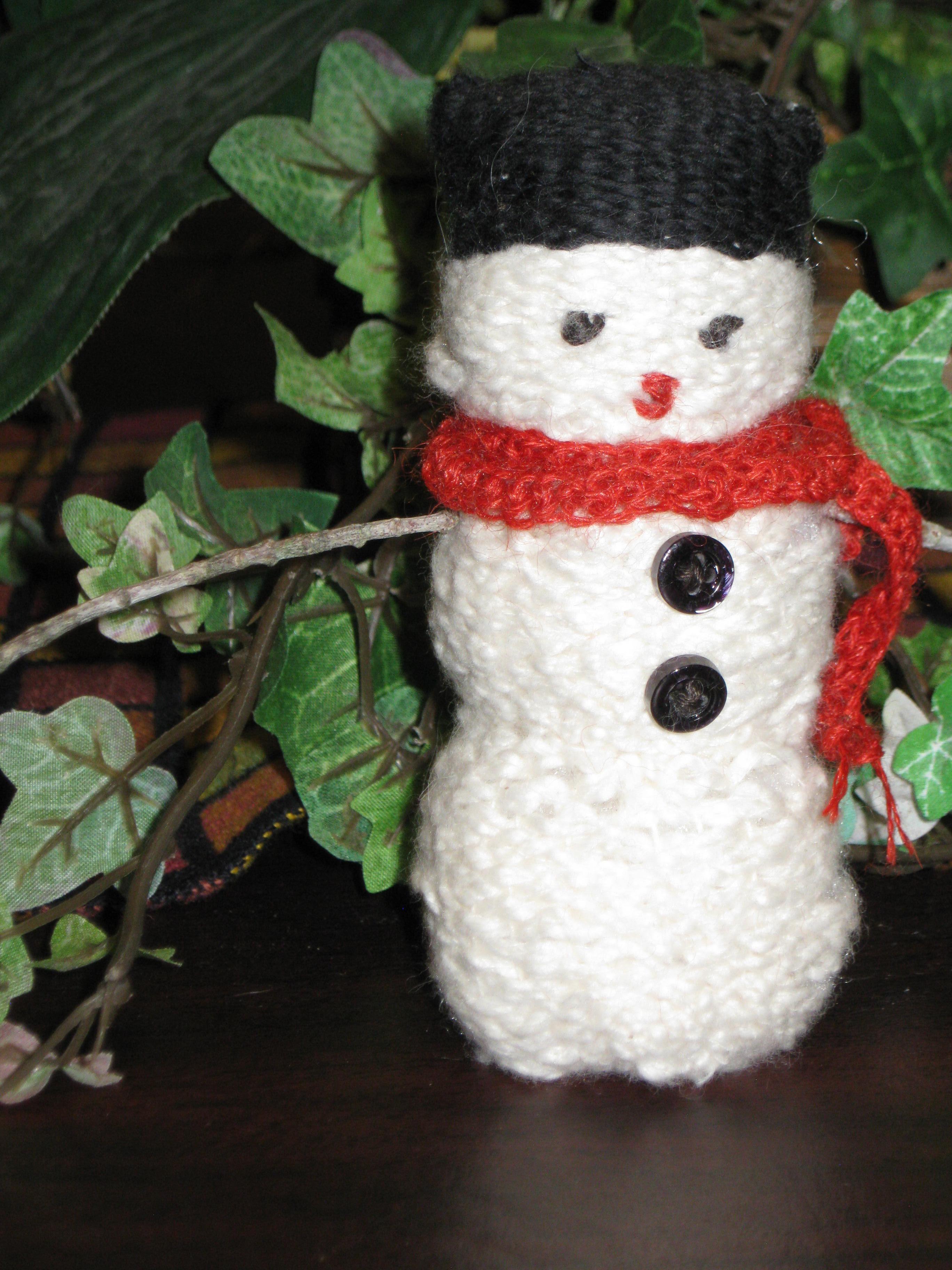 Woven snowman